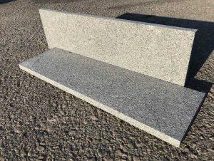Dedzināta granīta kājlīste