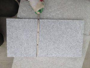 Dedzinātas granīta flīzes 30 cm