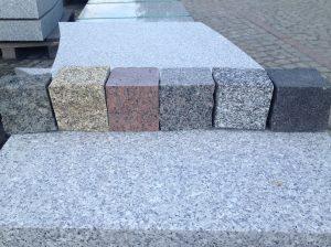 Dažādu krāsu akmens bruģis